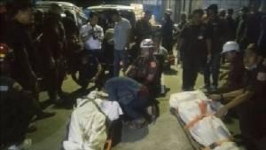 """สลดอีก! 2 คนงานลงเชื่อมเหล็กปล่องเก็บอาหารสัตว์""""เหรียญทองฟีด"""" เกิดระเบิดอัดร่างเสียชีวิต"""