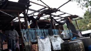 พายุงวงช้างถล่มตราด บ้านเรือนประชาชนเสียหาย