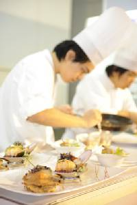 เชฟไทยเนื้อหอม ต่างชาติรุมจองตัว รับอานิสงส์อาหารไทยโตไม่หยุด