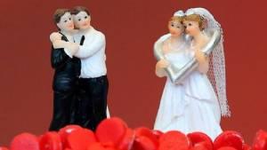 """คู่รักสิงคโปร์โดนยกเลิก """"ทะเบียนสมรส"""" หลังสามีผ่าตัดแปลงเพศ"""