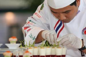 อาหารไทยฮิต เชฟไทยเนื้อหอม