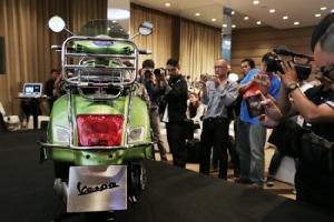 เวสป้า เปิดตัว จีทีเอส ซูเปอร์ 300 ABS เริ่มต้น 195,900 บาท (ชมคลิป)