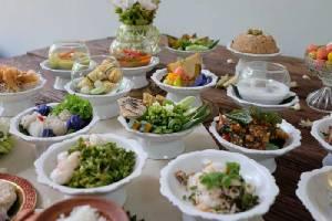 """ควงแขนคุณแม่มาอิ่มอร่อย กับอาหารหลากหลาย ใน """"วันแม่แห่งชาติ"""""""