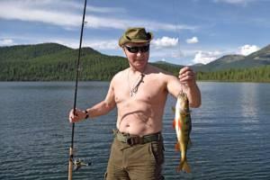 """ชิลๆ! """"ปูติน"""" โชว์กล้าม เดินป่า-ดำน้ำ-ตกปลา ระหว่างพักผ่อนที่ไซบีเรีย [ภาพชุด+คลิป]"""