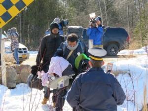 In Clip : แคนาดาส่งทหารส่งเกือบร้อย สร้างค่ายผู้ลี้ภัยติดพรมแดนอเมริกาฝั่งรัฐนิวยอร์ก