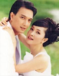 """รักไม่เก่าเลย!! """"กวาง กมลชนก"""" ย้อนวันวานหวาน ฉลองแต่งงาน """"น็อต นุติ"""" ครบรอบ 17 ปี"""