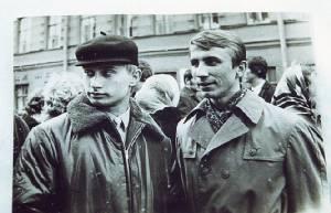 """เปิดปูมลับ เปิดชีวิตลับๆ สายลับ KGB ที่ชื่อ """"วลาดิมีร์ ปูติน"""""""