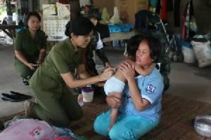 ระดมกำลังทหารช่วยชาวนครพนมหลังน้ำลด เดือดร้อนหนักทั้งขาดอาหาร-เจ็บป่วยอื้อ
