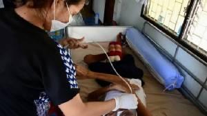 วอนช่วยสาวอดีตลูกจ้างมหาวิทยาลัยฯ ป่วยสมองฝ่อ ต้องหาเลี้ยงพ่อและลูกป่วยหลังสามีตายจาก