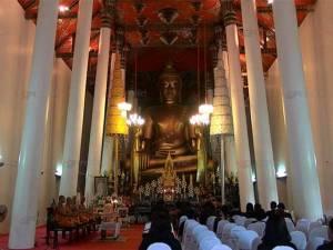 น่าห่วง! พระพุทธรูปสำคัญในพระวิหารหลวงวัดพระมหาธาตุ นครศรีฯ เกิดรอยร้าวรุนแรง