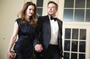 ชีวิตน่าทึ่งของ Elon Musk (อัปเดตล่าสุดปี 2017)