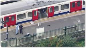 "In Clip : สุดยอด! แค่ 1 วัน ตร.อังกฤษ ""จับมือต้องสงสัยวัย 18"" บึ้มถังน้ำซุกระเบิดรถไฟใต้ดินลอนดอน ระหว่างรอเฟอร์รีหนีเข้าฝรั่งเศส"
