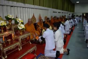 จว.ภาคกลาง-ตะวันออกทำพิธีอัญเชิญดอกไม้จันทน์ประกอบพิธีอธิษฐานจิต ถวายความจงรักภักดี