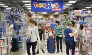 """In Clip : อึ้ง! ร้านขายของเล่นชื่อดังมะกัน """"ทอย อาร์ อัส"""" ยื่นล้มละลายในสหรัฐฯ-แคนาดาแล้ว หลังโดนแอมะซอนแย่งลูกค้า"""