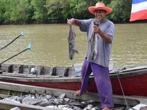 ชาวตรังโอด! ปลาในกระชังน็อกน้ำตาย ผลพวงจากฝนตกหนักน้ำจืดไหลลงทะเลเร็ว