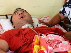4 ปีผู้ป่วยนอนติดเตียง ตร.เหยื่อระเบิดโจรใต้ พ่อโอดสิ้นเพลงก็ถูกลืม