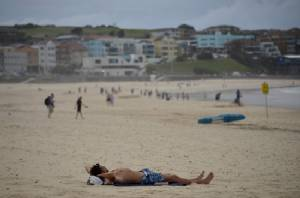 Sydney, Melbourne warned to prepare for 50-degree days