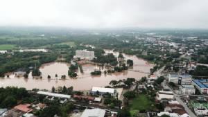 น้ำท่วมซ้ำเมืองเลยรอบ3 สนามกีฬากลางกลายเป็นทะเลน้ำจืด