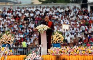 ชาวพม่าต่างศาสนาหลายหมื่นชุมนุมหนุนรัฐบาลซูจีแก้วิกฤตในยะไข่