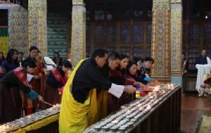กษัตริย์จิกมีแห่งภูฏานและราชินีจะเสด็จฯ ร่วมพระราชพิธีถวายพระเพลิงพระบรมศพในหลวง ร.๙