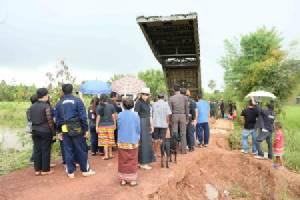 ทหารเร่งช่วยชาวบ้านน้ำป่าซัดถนนขาด ด้านเขื่อนลำปาวยันยังรับน้ำได้อีก