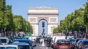 """ปารีสเล็งแบน """"รถยนต์เบนซิน-ดีเซล"""" ภายในปี 2030"""