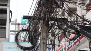 ผจก.ไฟฟ้าฯพัทยา แก้ตัวกรณีสายไฟไร้ระเบียบ เป็นปัญหาเรื้อรัง
