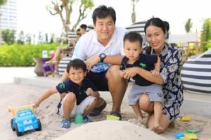 อรรฆรัตน์ นิติพน หอบครอบครัวชิลคอนเสิร์ตริมหาดหัวหิน ฟินเวิร์คช็อปสุดประทับใจ