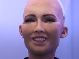 ขอเชิญพบกับ Sophia หุ่นยนต์พลเมืองซาอุดิอาระเบีย