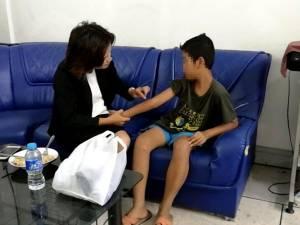 น่าเวทนา! เด็กชายวัย 12 ปี เร่รอนนั่งรถไฟจากสระบุรี-หัวหิน หนีพ่อแม่เมายาทำร้ายร่างกาย