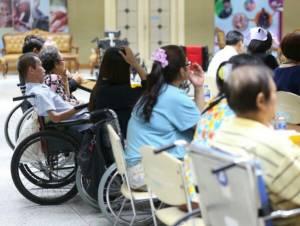 """ผู้ประกันตนพิการเลือกรักษากับ """"บัตรทอง"""" ยังได้สิทธิประโยชน์อื่นของประกันสังคมครบถ้วน"""
