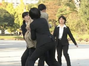 """ฮือฮา! ญี่ปุ่นใช้ตำรวจหญิงล้วนอารักขา """"เมลาเนีย ทรัมป์"""""""