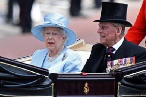 Elizabeth II, Prince Philip celebrate 70 years married
