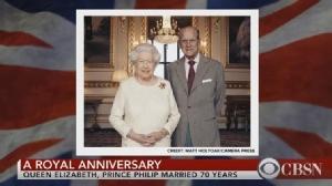 """In Clips : ครบรอบราชาภิเษกสมรส 70 ปี """"วังบักกิงแฮม"""" ประเดิมเผยแพร่ภาพใหม่ """"ควีนเอลิซาเบธที่ 2"""" และพระราชสวามี ก่อนระฆังโบสถ์จะลั่นนานกว่า 3 ชม.วันนี้"""