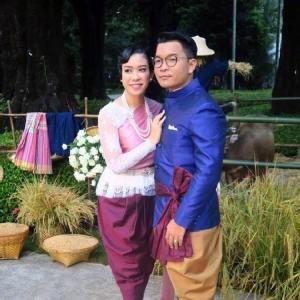เซเลบคู่หวาน ความรักเบ่งบาน ควงแขนวิวาห์ส่งท้ายปี