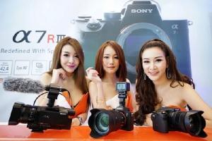 โซนี่ ส่งฟูลเฟรม มิเรอร์เลส A7R III ย้ำภาพผู้นำตลาดกล้องมืออาชีพ