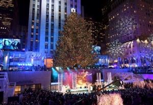 """In Pics : เทศกาลเปิดไฟ """"ต้นคริสต์มาสร็อคกี้เฟลเลอร์"""" เริ่มต้นขึ้นแล้วปีนี้ ท่ามกลางการรักษาความปลอดภัยแน่นหนา"""