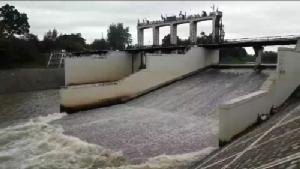 รมช.เกษตรฯ ลงพื้นที่เมืองเพชร รับฟังปัญหาน้ำท่วม
