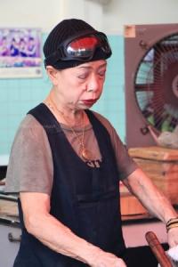 """อร่อยเบอร์ไหน? """"เจ๊ไฝ"""" ประตูผี สตรีทฟู้ด 1 ดาว เจ้าแรกของไทย"""