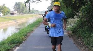 """""""จตุรงค์ มกจ๊ก'  ซ้อมวิ่งจริงจัง ก่อนวิ่งจริงเก็บตก โครงการก้าวคนละก้าว"""