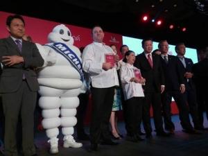 ไข่เจียวปูจานเดียวหนึ่งพัน!! ไหวมั้ย? แลกงบ 143 ล้าน อวดสตรีทฟูดทั่วโลก