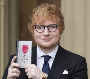 """""""เอ็ด ชีราน"""" (อาจ) ร้องเพลงในพิธีเสกสมรสเจ้าชายแฮร์รี"""