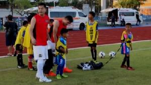 """""""เต๋า สมชาย """"  แข่งบอลการกุศล หาเงินช่วยผู้ป่วยสะเก็ดเงิน จ.จันทบุรี"""