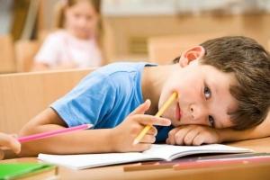 """""""เด็กสมาธิสั้น"""" ไม่รักษาเสี่ยงเกเร-ติดยาง่าย รพ.จิตเวชนครพนมฯ เร่งให้ความรู้พ่อแม่ครู"""