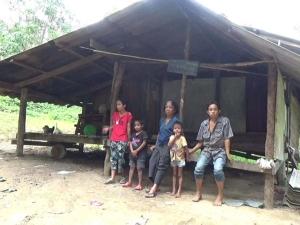 พบ 7 ชีวิตยายหลานสุดแร้นแค้น อยู่ในบ้านใกล้พังในตรัง วอนผู้ใจบุญช่วยเหลือ