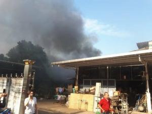 เพลิงไหม้โรงงานสารเคมีย่านสาธุประดิษฐ์ 34 กู้ภัยเจ็บ 2 ราย