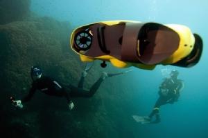 """ชมสตาร์ทอัพฝรั่งเศสทดสอบ """"โดรนดำน้ำ"""" ตัวช่วยเก็บภาพใต้ทะเล"""