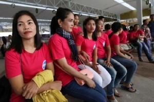 กัมพูชาส่งแม่บ้านชุดแรกบินทำงานฮ่องกงแก้ปัญหาคนขาดแคลน
