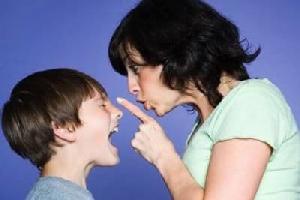 คุณเป็นพ่อแม่ที่หยิบยื่นโรคซึมเศร้าให้ลูกหรือไม่! / สรวงมณฑ์ สิทธิสมาน