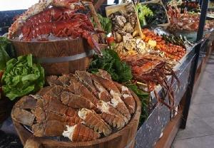 """อิ่มไม่อั้น """"บุฟเฟต์อาหารทะเลมื้อค่ำวันศุกร์"""" ที่รร. อมารี วอเตอร์เกทฯ"""